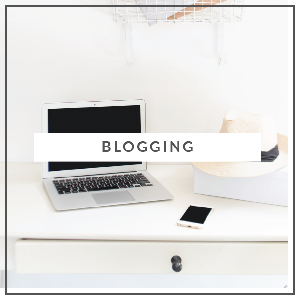 Jessica_Lawlor_blogging